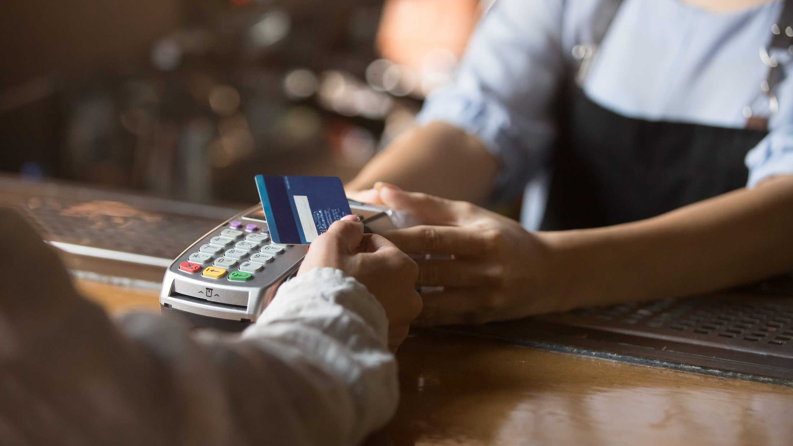 7 nations leading the way to a cashless society are in Europe. Do you live in one?